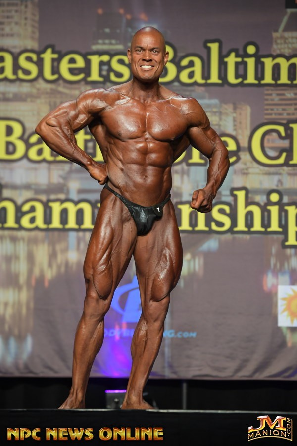 CLASSIC PHYSIQUE WINNER